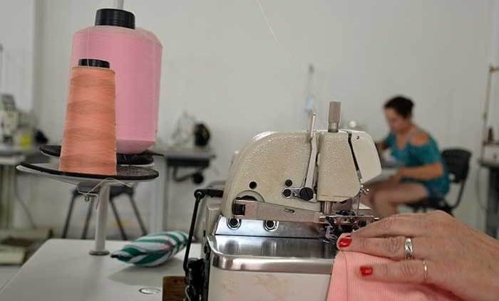 como abrir uma fábrica de costura
