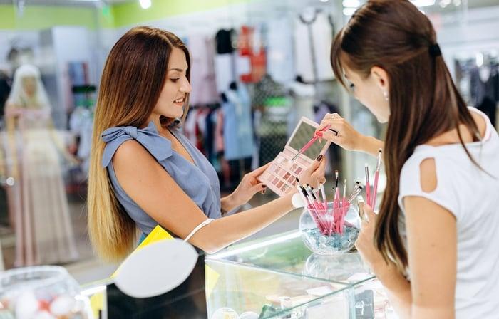 Dicas de como ser um bom vendedor de cosméticos