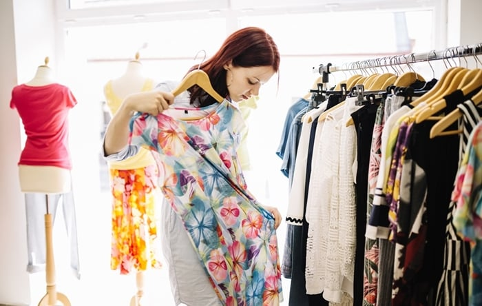 vender roupas femininas dá dinheiro