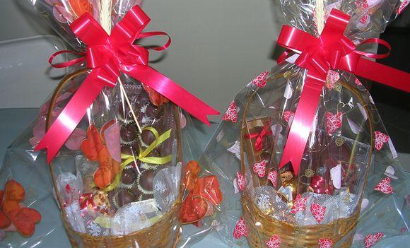 como fazer cestas de chocolate para vender