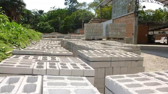 abrir uma fábrica de blocos de concreto