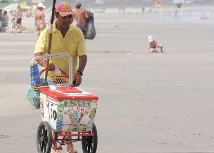 91c45dc3f3 Como ganhar dinheiro na praia: 10 ideias para te inspirar!