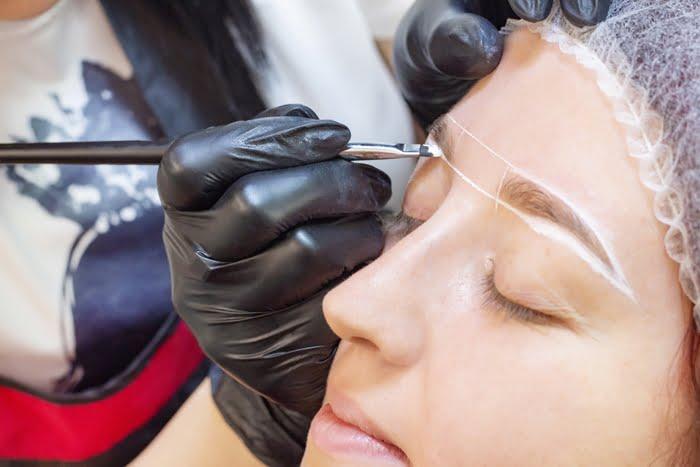 Abrir um salão de design de sobrancelhas