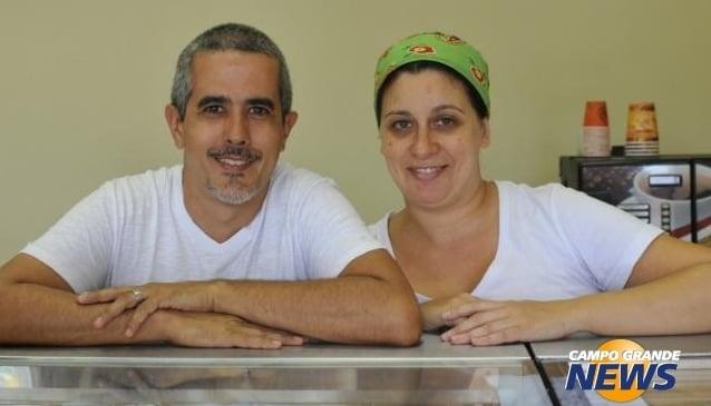 Cássia e Fábio - sucesso com bolo no pote