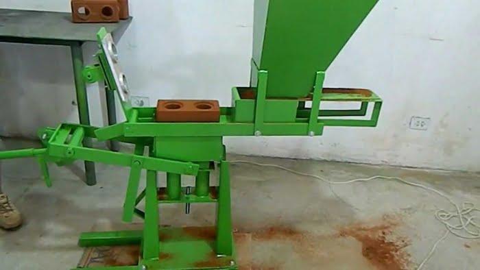 Máquina para lucrar com tijolos ecológicos