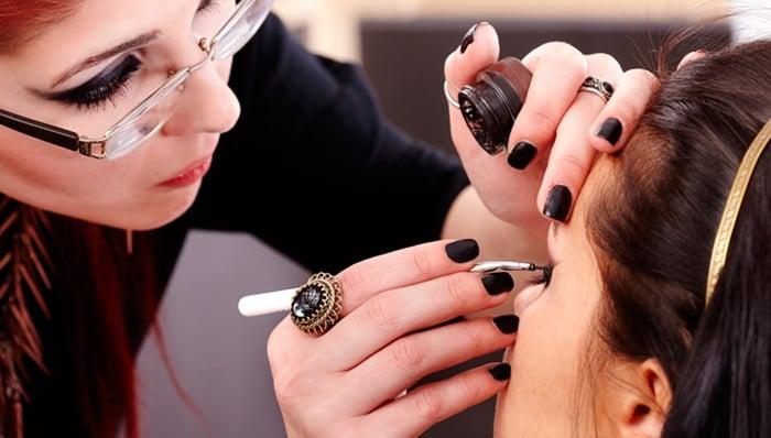 serviço de maquiadora