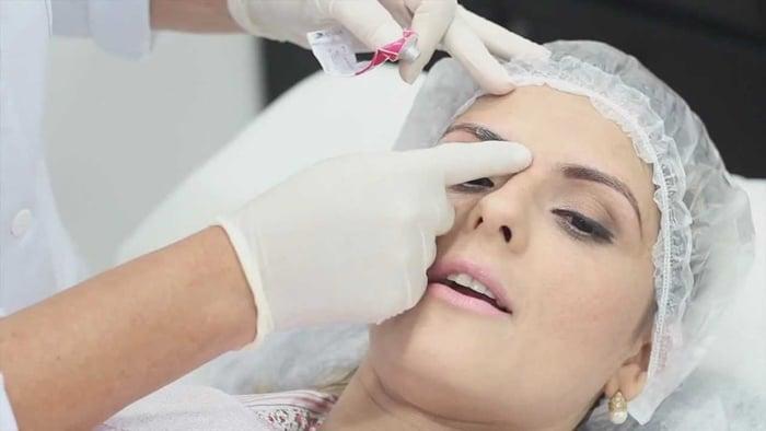 serviços de beleza - Design de sobrancelhas