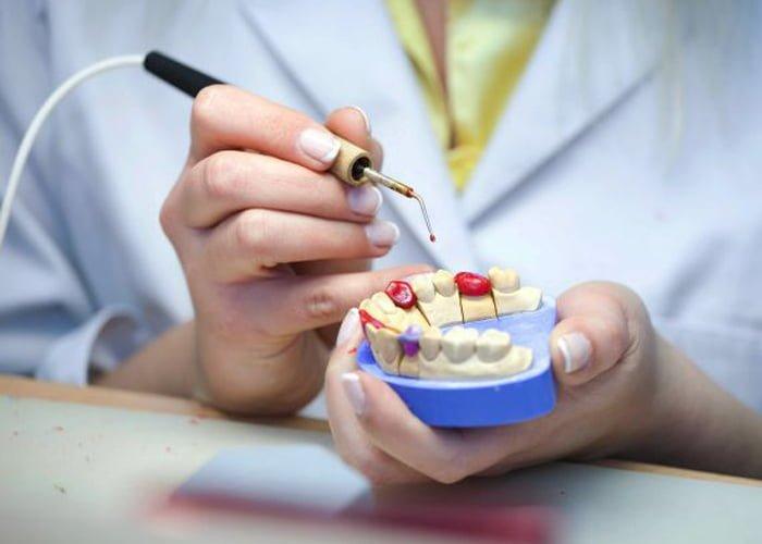 montar um laboratório de prótese dentária