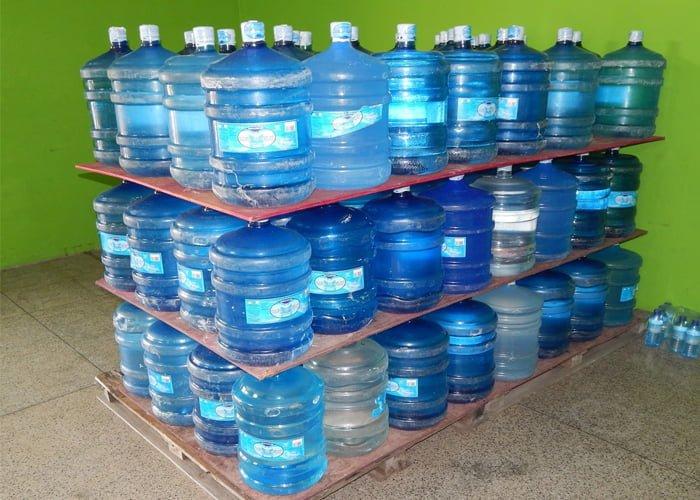 água mineral no atacado