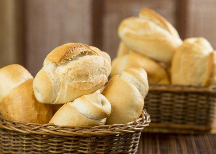 Como fazer pão francês de padaria