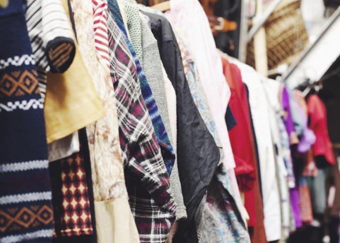 comprar roupas para brechó