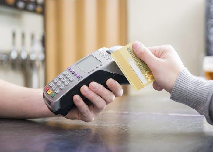 Posso repassar a taxa do cartão para o cliente