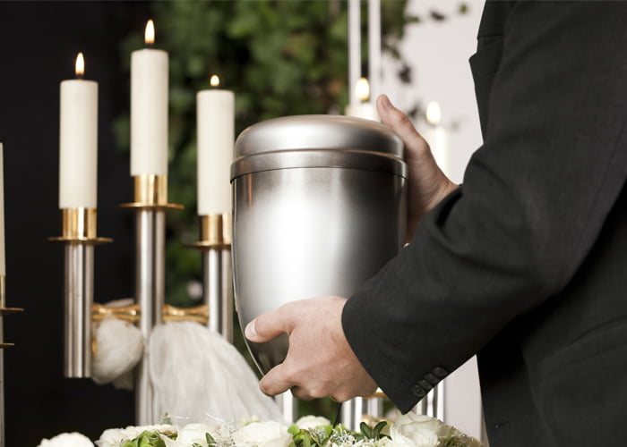fábrica de urnas funerárias