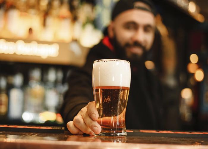 como administrar um bar