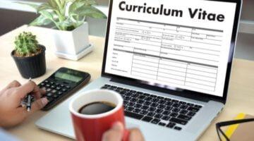 Quanto cobrar para fazer um currículo